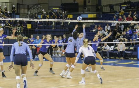 Volleyball sweeps Seton Hall to extend win streak