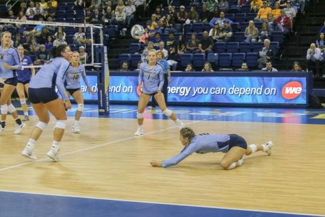 Volleyball outlasts Illinois State in third consecutive five-set match