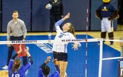 Volleyball sweeps Villanova on road
