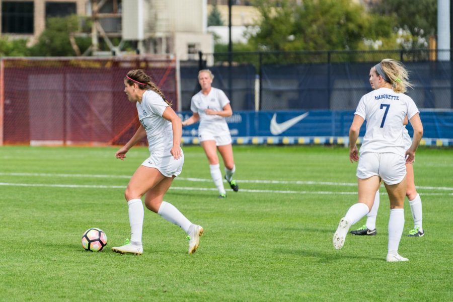 Katrina+Wetherell+%28left%29+dribbles+the+ball+in+Marquette%27s+1-1+draw+against+Creighton+Sunday+at+Valley+Fields.