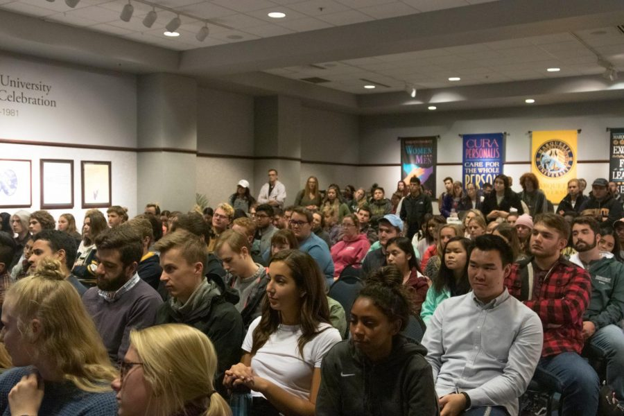 Students+attended+an+informational+session+about+DNC+opportunities+Oct.+22+in+the+Alumni+Memorial+Union.