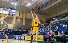 BASELINE: Women's basketball defeats Xavier without leading scorer