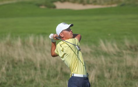 Hunter Eichhorn swings his club at the Marquette Intercollegiate at Erin Hills. (Photo courtesy of Marquette Athletics.)