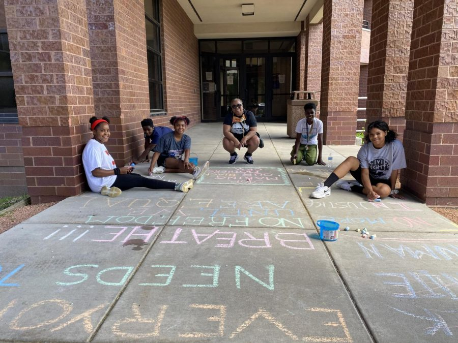 Students host community art event, call on university to support black population