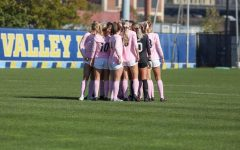 Marquette women's soccer gather in huddle before their 3-1 win against Villanova on Oct. 20. (Photo courtesy of Marquette Athletics.)