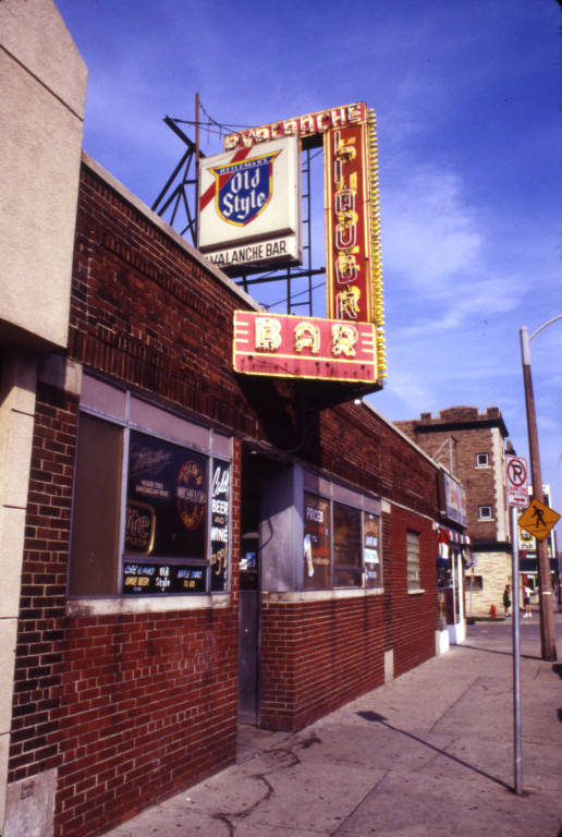 The Avalanche Bar closed permanently on April 24, 1997. Photo courtesy the Department of Special Collections and University Archives, Marquette University Libraries.