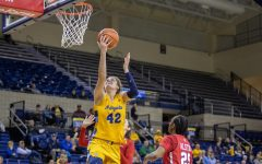 Lauren Van Kleunen (42) goes up for the layup in Marquette's 94-85 on Jan. 10 2020. (Marquette Wire Stock Photo.)