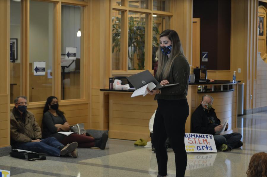 McArdle+speaker+to+fellow+demonstrators+Oct.+21.+