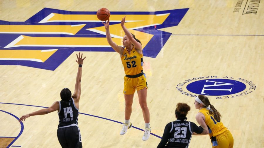 Chloe+Marotta+shoots+a+jumper+in+Marquette%27s+victory+over+Georgetown+Jan.+20.+%28Photo+courtesy+of+Marquette+Athletics.%29