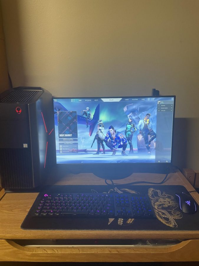 Alec Dahm's Valorant set-up. (Photo courtesy of Alec Dahms and Marquette Gaming and Esports.)