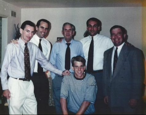 Steve Wojciechowski (kneeling front center) during his home visit in fall 1993 on the evening of his commitment to Duke. (Photo courtesy of Mike Dahlem and Philip Forte.)