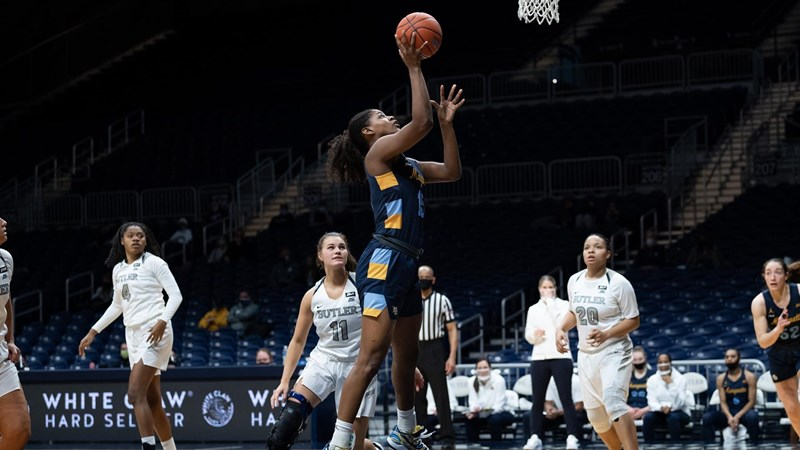 Camryn Taylor (15) shoots a jumper in Marquette's game against Butler. (Photo courtesy of Marquette Athletics.)