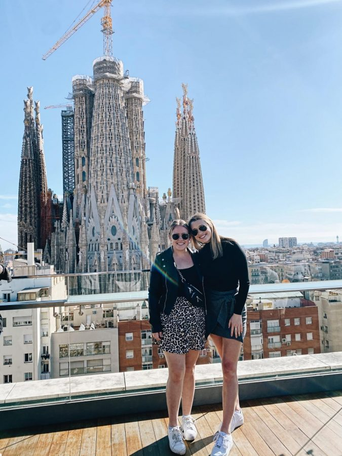 Natalie+Landgraf+%28left%29+poses+outside+La+Sagrada+Familia+in+Barcelona%2C+Spain.+Photo+courtesy+Natalie+Landgraf.