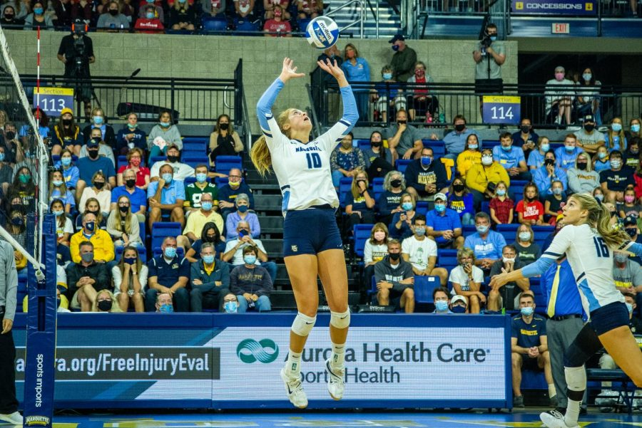 Taylor Wolf (10) sets up a pass in Marquettes 0-3 loss to No. 8 Kentucky Sept. 11.