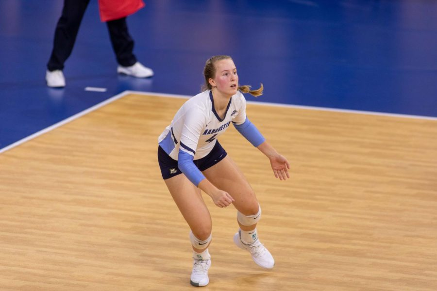 First-year+outside+hitter+Jenna+Reitsma+prepares+for+action+in+Marquettes+3-0+loss+to+No.+2+Wisconsin+Sept.+12.+%28Photo+courtesy+of+Marquette+Athletics.%29