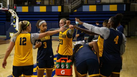 Marquette womens basketball gathers in a huddle during its practice Sept.15. (Photo courtesy of Marquette Athletics.)