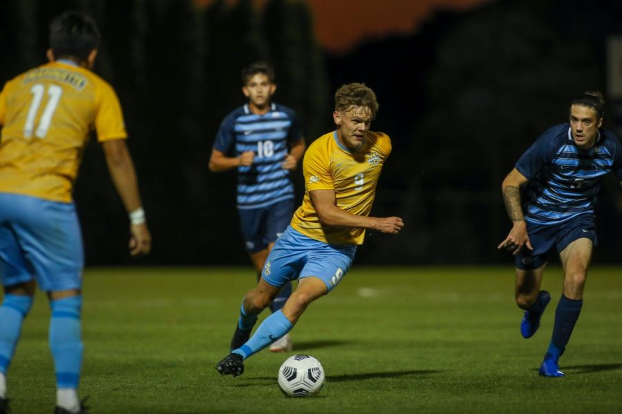 Redshirt junior forward Lukas Sunesson moves the ball up the field in Marquettes 1-0 loss to Villanova Sept. 18 at Valley Fields. (Photo courtesy of Marquette Athletics.)