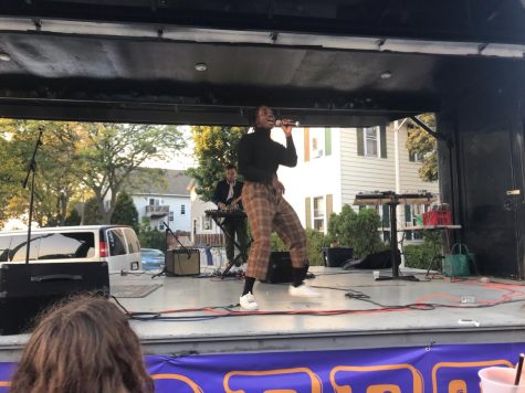 Singer-rapper Ric Wilson performs on stage at the 5th annual Beet Street Fall Festival hosted by the Cactus Club.